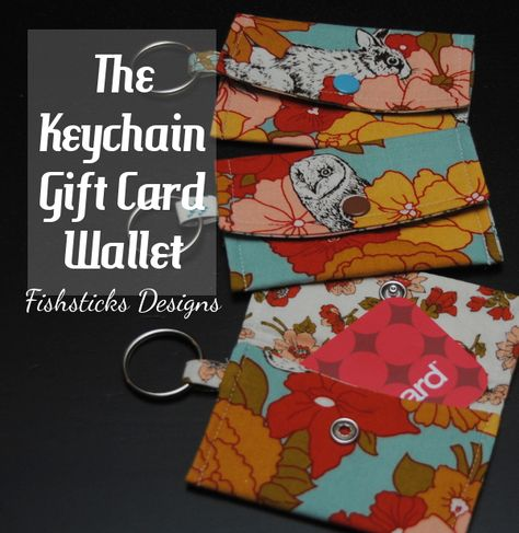 These are SO easy to make and will be great to use for gift cars for the person receiving them!  Handmade gift idea: keychain gift card wallet