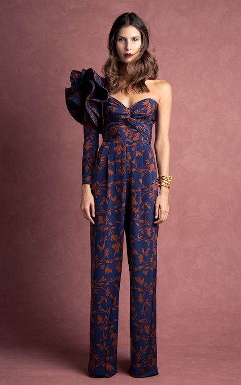 If money is no issue, Johanna Ortiz Fall-Winter 2016 collection is definitely worth splurging for.