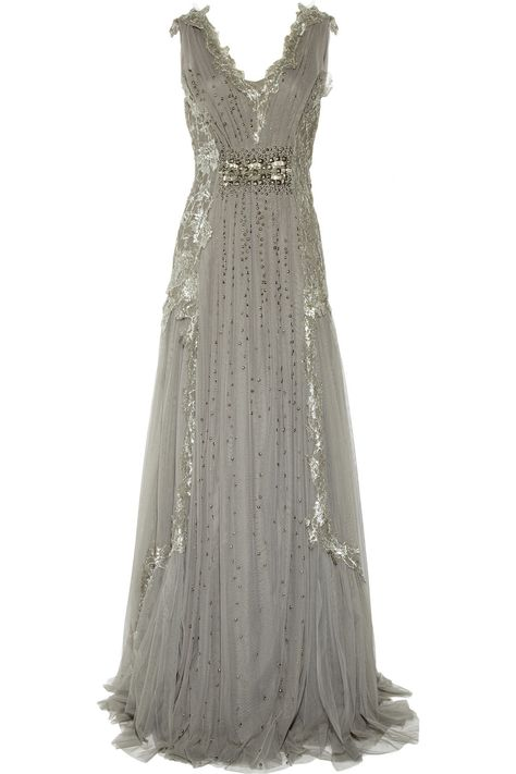 I am in love, seriously, one of the most beautiful gowns I've ever seen!!