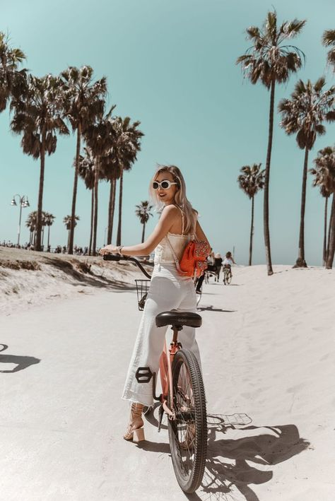 Venice Beach Bike Ride & Bike, beach, beach cruiser, bike rental on Venice beach The post Riding Bikes in Venice and My Summer White Jean Culottes appeared first on Trendy. Summer Beach Pictures, Beach Photos, Saint John, Famous Places In France, Beach Pink, Girl On Beach, Beach Girl Style, Beach Babe, Bike Photography