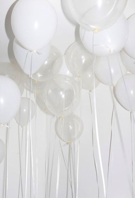Clear and White balloons. I love balloons. Lots of balloons. Clouds of balloons. Rainbow Aesthetic, Black And White Aesthetic, Aesthetic Colors, Aesthetic Collage, Aesthetic Pictures, Alien Aesthetic, Aesthetic Iphone Wallpaper, Aesthetic Wallpapers, White Wallpaper For Iphone
