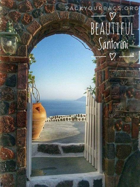 An impromptu trip to Santorini – Pack your bags