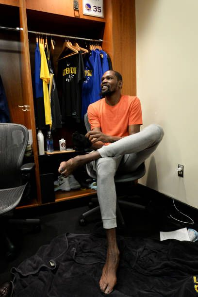 Kevin Durant Of The Golden State Warriors In The Locker Room After Kevin Durant Kevin Nba Champions