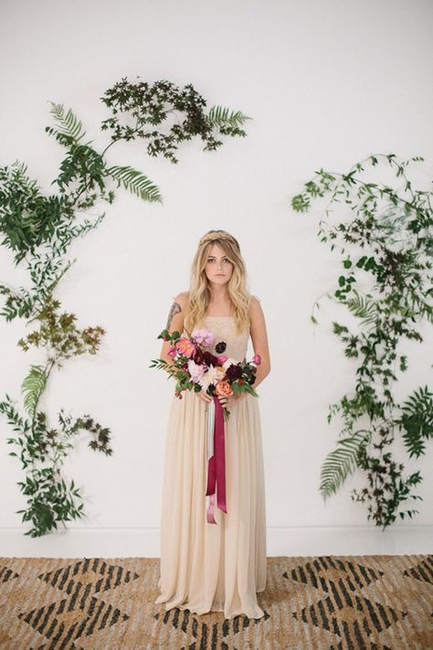 Organic bohemian wedding inspiration | Photo by Apryl Ann Photo | Read more -  http://www.100layercake.com/blog/wp-content/uploads/2015/02/Organic-Boho-wedding-inspiration