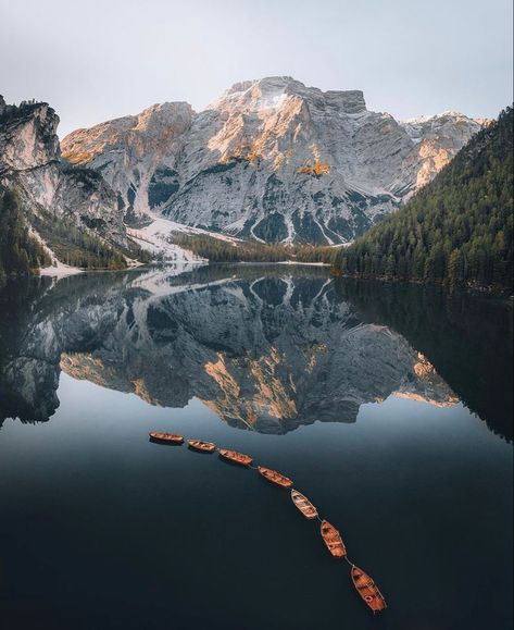 Would you canoe on this lake in northern Italy? 🇮🇹 🛶 Tag someone you'd visit here with below ⬇️ 📸: @withluke Follow ➡️ @outdoorgroupie #outdoorgroupie #followadventure #outdoors #nature #adventure #photography #hiking #travel #naturephotography #explore #landscape #mountains #camping #outdoor #naturelovers #outside #wanderlust #getoutside #wildlife #beautiful #landscapephotography #forest #outdoorphotography #bhfyp #hiking #hikingadventures #hikingtrails #hikingboots