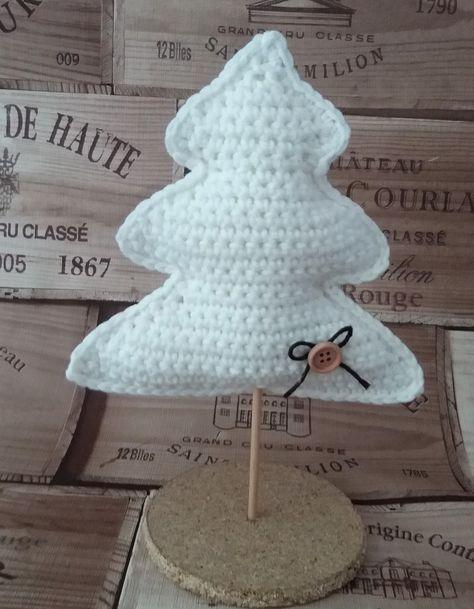 En el vídeo de hoy, os traigo el patrón de este arbolito de navidad tan precioso y tan fácil de hacer! espero que os encante! ...
