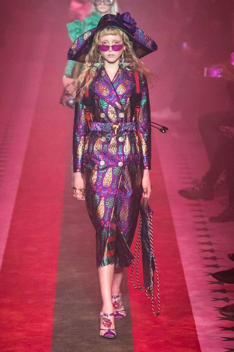 Gucci at Milan Fashion Week Spring 2017 - Runway Photos