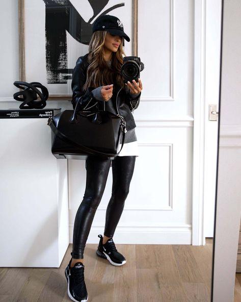 Leather Leggings Casual, Spanx Faux Leather Leggings, Leather Jacket Outfits, Winter Fashion Outfits, Casual Fall Outfits, Looks Party, Nike Air Max, Leggings Outfit Fall, Fall Capsule Wardrobe