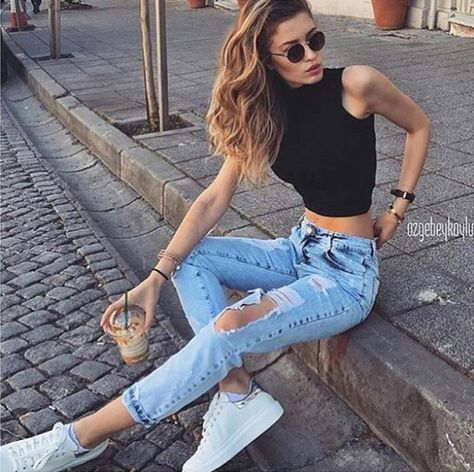 Torn jeans are considered one of the best casual outfits for every season . Torn jeans are considered one of the best casual outfits for every season . , Ripped jeans are considered as one of the best casual outfits for ever.