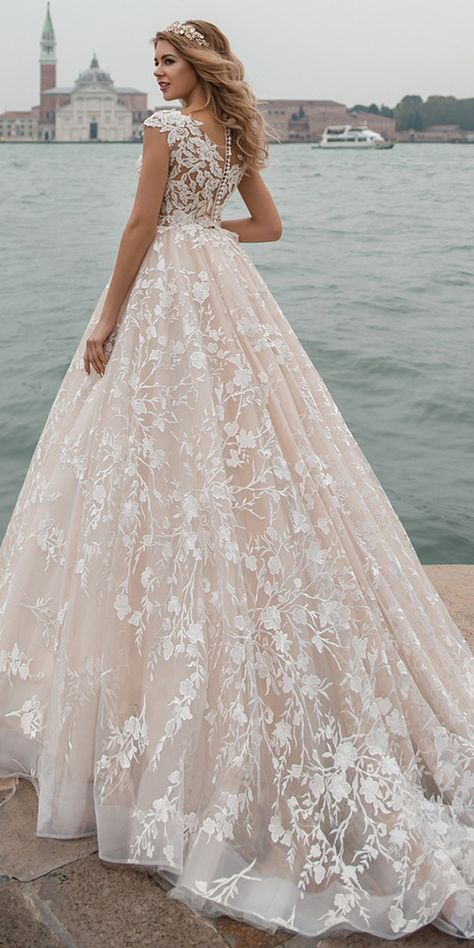 Amazing Tulle & Lace Scopp Neckline See-through Bodice A-line Wedding Dress With Lace Appliques & Beadings