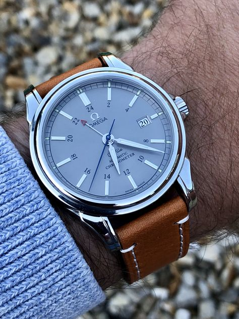 Omega De Ville GMT co-axial mechanical Men's dress watch Automatic George Daniels escapement movement design DeVille steel wristwatch ⌚️ FOR SALE Men's Watches, Cool Watches, George Daniel, Elegant Watches, Beautiful Watches, Omega Seamaster, Swiss Army Watches, Luxury Watches For Men, Watch Brands