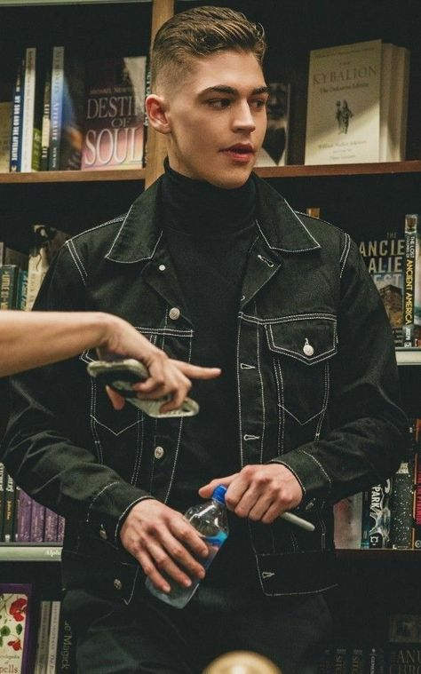 [ SEBAGIAN CHAPTER DIPRIVATE, FOLLOW SEBELUM MEMBACA ] [ SEGERA TERB… #fiksiremaja # Fiksi remaja # amreading # books # wattpad