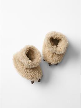 Sherpa bear slippers   Gap