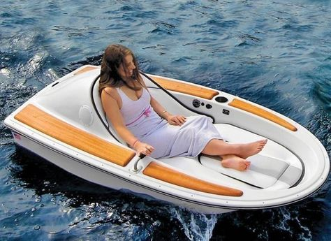One Person Electric Boat . Broaden your horizons by taking a leisurely trip around the shore on the one person electric boat. The soph. Kombi Motorhome, Electric Boat, Electric Motor, E Mobility, Hammacher Schlemmer, My Pool, Water Toys, Cool Technology, Cool Inventions