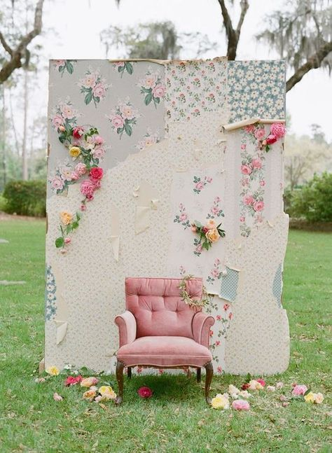 Vintage wallpaper and fabric form a shabby chic backdrop for wedding photos. This alternative photo booth is easy and inexpensive to construct, and adds a romantic setting for the bride and groom as well as wedding guests to snap memorable photos Outdoor Photo Booths, Outdoor Photos, Party Photo Booths, Bodas Shabby Chic, Shabby Chic Wedding Decor, Diy Photo Backdrop, Backdrop Photobooth, Backdrop Ideas, Backdrop Wedding