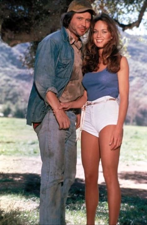 Catherine Bach as Daisy Duke from The Dukes of Hazzard, 1979 to Dukes Of Hazard, 80 Tv Shows, Catherine Bach, Daisy Dukes, Daisy Daisy, Baby Boomer, Vintage Tv, Old Tv, Classic Tv