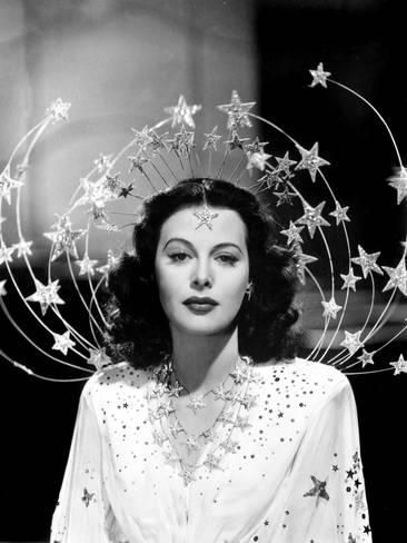 Ziegfeld Girls, 1941 Costume design: Adrian white gown with embroidered sequin stars and silver star headpiece - worn by Hedy Lamarr in the role of Sandra Kolter Hollywood Glamour, Classic Hollywood, Old Hollywood, Hollywood Cinema, Hollywood Actresses, Vintage Beauty, Vintage Fashion, Gothic Fashion, 1930s Fashion