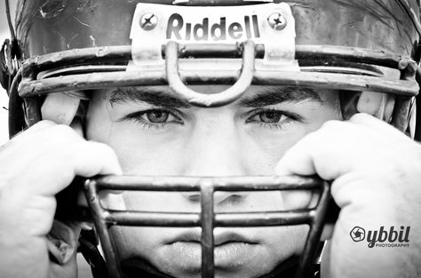 Dallas - Senior Football Photos  By: Ybbil Photography