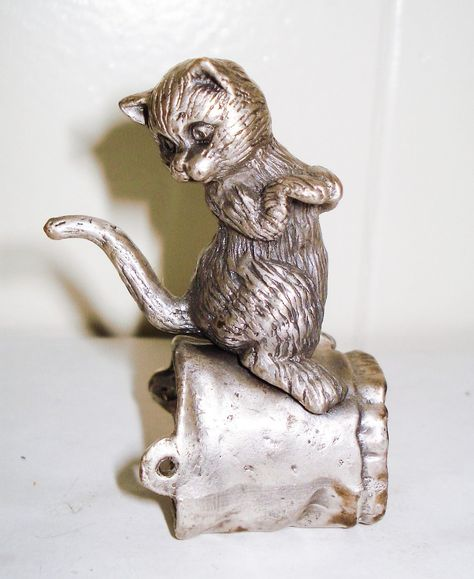 Vintage Fine Pewter Cat Figurine and Mouse Beautiful Unique