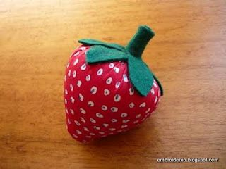 Strawberry Pincushion  - tutorial with pattern