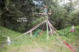 Diy A Mini Maypole For May Day A Fertility Ceremony For Spring Festival Theme Hippie Baby Shower Coachella Party
