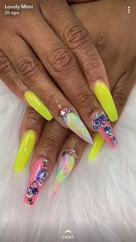 Learn hоw tо make a mіrrоrеd nail! page - 42 | lifestylesinspiration.com
