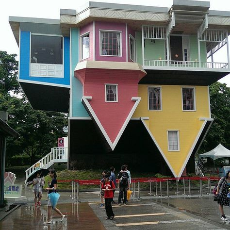 Upside Down House, Taipei 3 Types Of Web Application Architecture Such terms as -internet app-, -fro Unusual Buildings, Amazing Buildings, The Places Youll Go, Cool Places To Visit, Building Design, Building A House, Crazy Houses, Weird Houses, Upside Down House