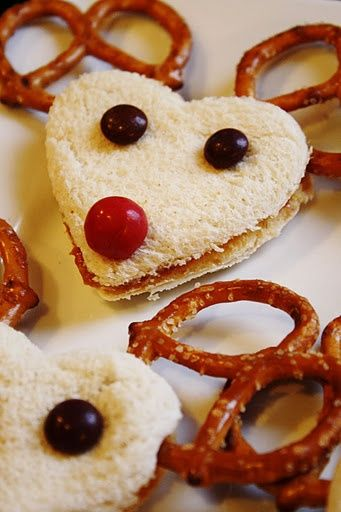 Reindeer Sandwiches - you can use Nutella or chocolate spread to make these sandwiches. Then use chocolate M for the eyes and the nose. Of course pretzels for the antlers or even use chocolate covered pretzels if you like.