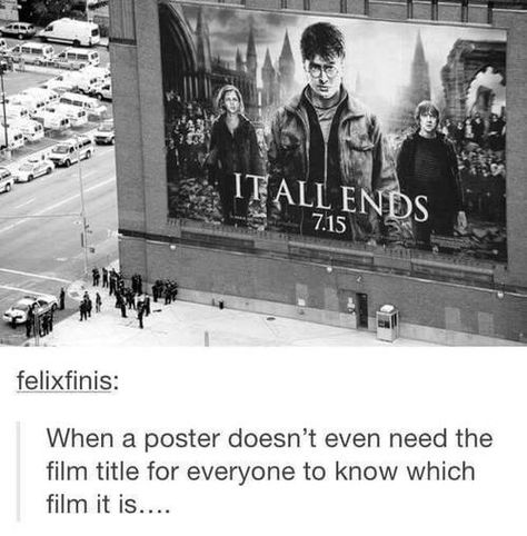 This Pictures shows how famous Harry Potter is and that's really special for the fandom ! Harry Potter World, Harry Potter Jokes, Harry Potter Universal, Harry Potter Fandom, Harry Potter Imagines, Ravenclaw, No Muggles, Yer A Wizard Harry, Marvel