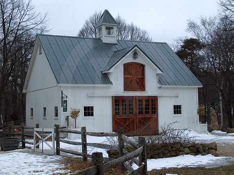 *sigh* This barn makes my heart full.  Building #b079 - Circle B Barn Company