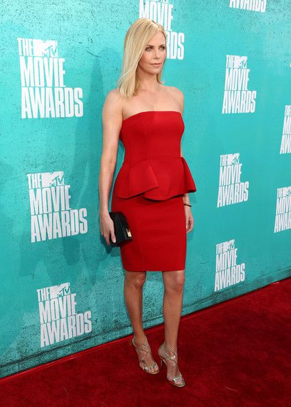 Charlize Theron Photos Photos 2012 Mtv Movie Awards Red Carpet Charlize Theron Photos Mtv Movie Awards Charlize Theron