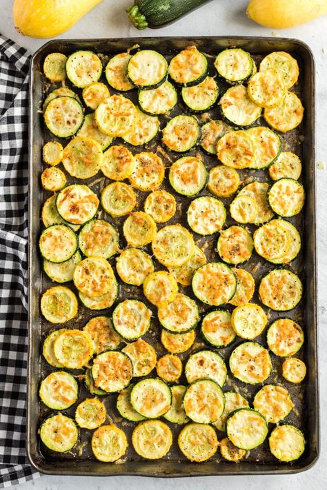 Best Way to Cook Zucchini and Squash As I mentioned, this recipe is simple to prepare and just as simple to clean up. Everything is mixed together in one large bowl and then roasted to perfection on a Roasted Zucchini And Squash, Zucchini Zoodles, Zucchini In The Oven, Grilled Squash, Yellow Squash And Zucchini, Squash Zucchini Recipes, Grilled Zucchini Recipes In Oven, How To Bake Zucchini, Squash On The Grill