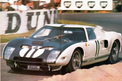 Ford Gt40 Monogram 11 24 Heures Du Mans 1964 Coches Historia