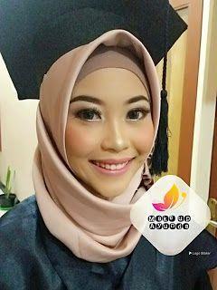 Make Up Wisuda Bandung Ayunda Makeup Hijab Professional Make Up For Your Special Moment Rias Make Up Wisuda Ban In 2020 Makeup Trends What Is Makeup Daytime Makeup