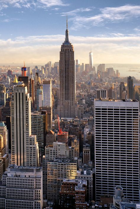 In this local's New York City travel guide, you'll find a bunch of NYC Tips that will make New York travel much easier for you. You'll find all the tips you need on everything from New York City food to the some of the best New York City things to do. And no, Times Square is not on this list. #NYCTravel #NewYorkCity #NewYorkCityGuide #USATravel