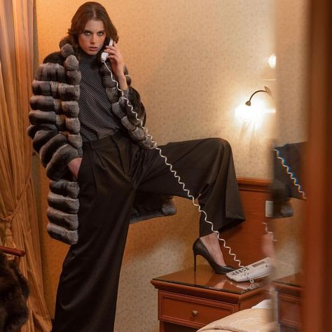 "Jen's Instagram post: ""Good Morning 💞 #fur #furcoat #realfur #chinchilla #blacktrousers #telephone #coat #lfl #l4l #likeforlike #f4f #hairstyle #ootd…"""