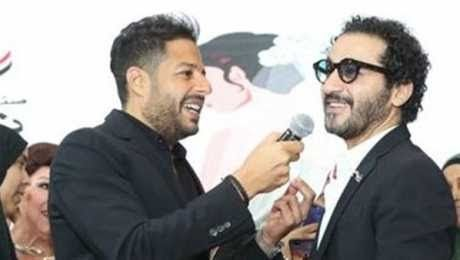 محمد حماقي وأحمد حلمي يغنيان واحدة واحدة بعد 12 عاما أقيمت منذ قليل احتفالية كبرى لـ صندوق تحيا مصر بمناسبة إطلاق حملة تيسير زو Mens Sunglasses Men Sunglasses