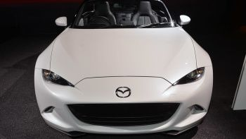 2016 Mazda Mx 5 Miata Is A Knight In White Satin Mazda La Auto Show Mx5 Nd