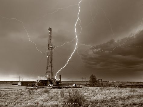 Drilling Rig, lightning, lightning strike, oil and gas photography, fine art, Midland Texas, Midland County