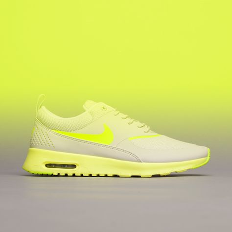 Wear it bright to excite. Say hello to the Nike Air Max Thea