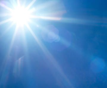 Take care of your skin this summer and learn these symptoms of sun poisoning. Learn about how to prevent this from happening and top sunscreen you should use during the summer months. Stay happy and healthy with these helpful sun tips.
