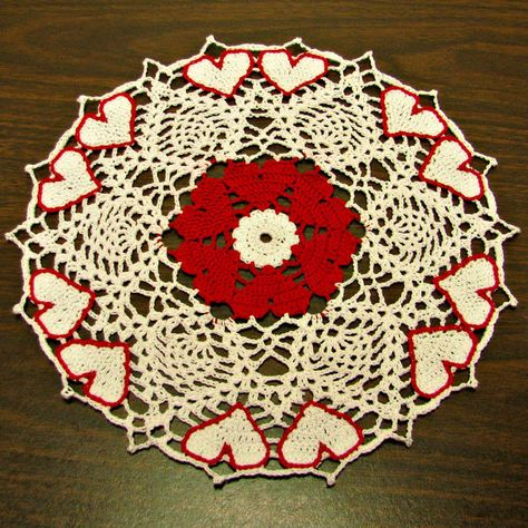Hearts and Pineapples Doily, custom made to order at Heritage Heartcraft