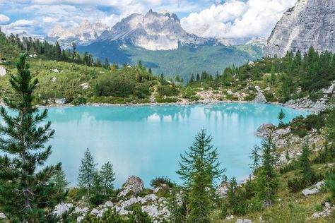 Turquoise Lakes in the Dolomites!