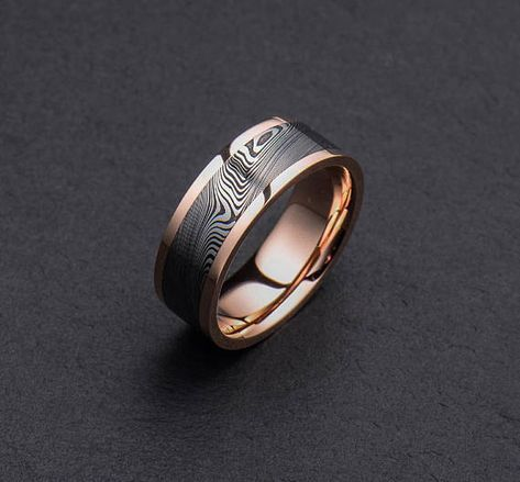 Stainless Damascus Steel And Rose Gold Mens Wedding Band Etsy In 2021 Rose Gold Mens Wedding Band Mens Gold Wedding Band Rings For Men