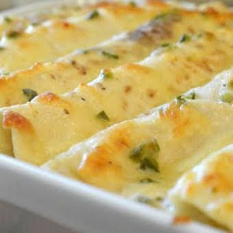 Sour Cream Chicken Enchilada Casserole Recipe In 2020 Food Recipes Sour Cream Chicken Creamy Chicken Enchiladas