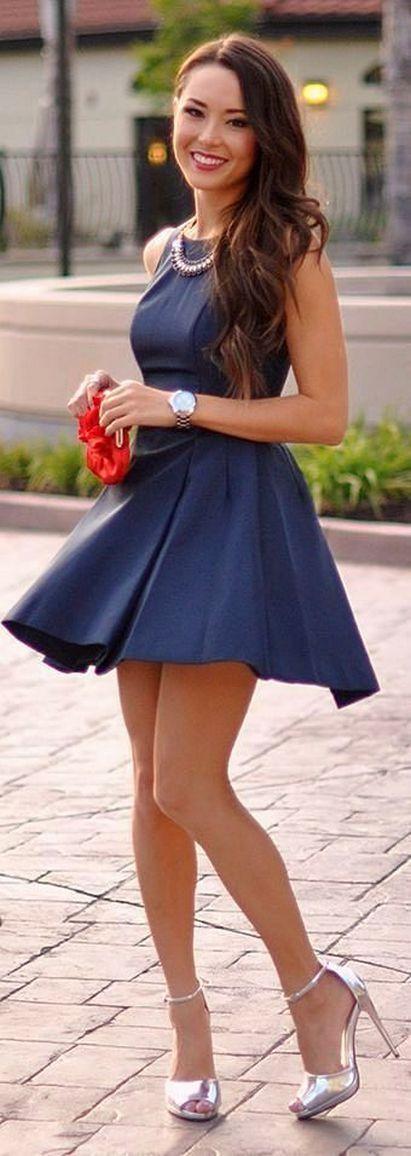 teens-girls-wear-short-skirts