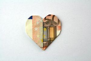 Faltanleitung Kleines Herz Als Geldgeschenk Geld Falten Herz