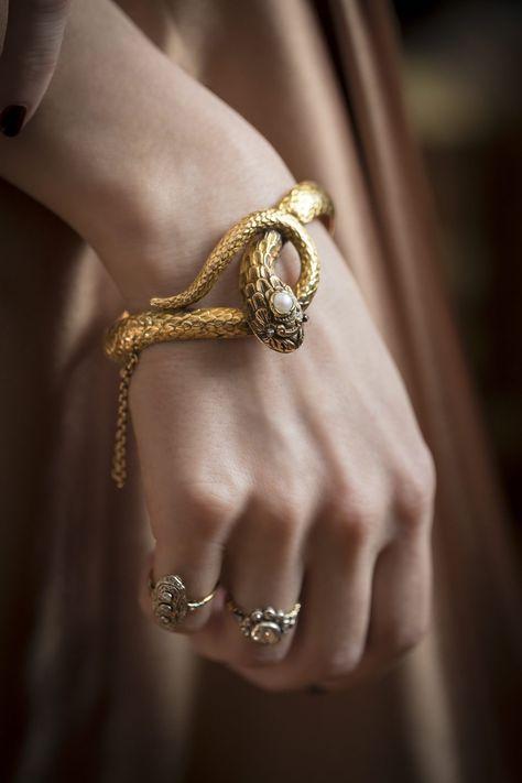 1840s Möllenborg Snake bracelet – Sperlich