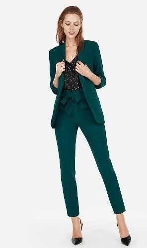 Pin By Daniela Gulda On Pantone Colors 2021 2022 Woman Suit Fashion Suits For Women Work Outfits Women