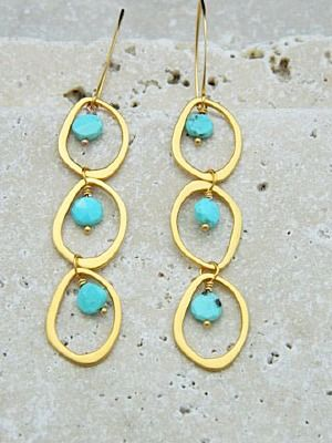Make your own Earrings! These are fast & easy. Click for all the jewelry making supplies you need! http://www.ninadesigns.com/jewelry_design_ideas/gold_plated_jewelry_links.html